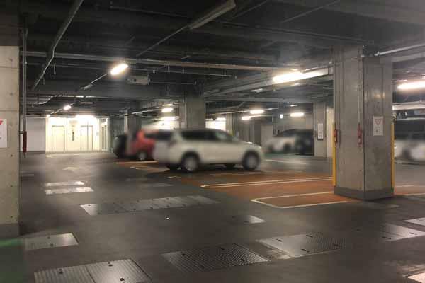 ハイトピア伊賀の地下駐車場