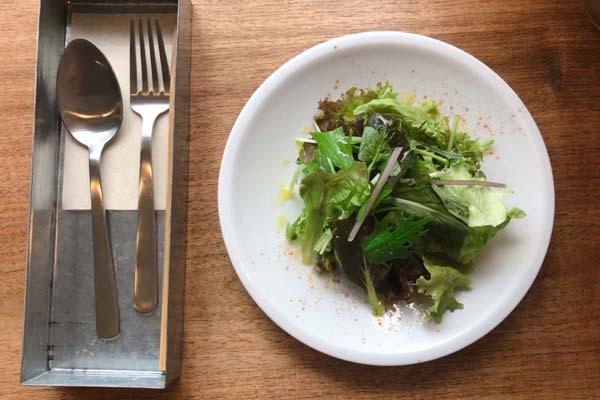 カフェフオネのランチのサラダ