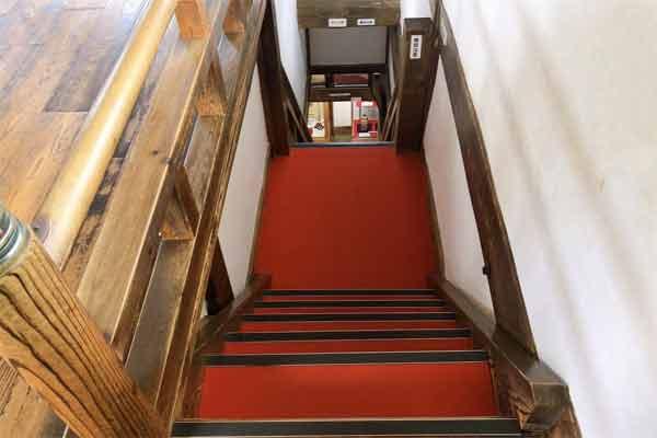 伊賀上野城の中の階段
