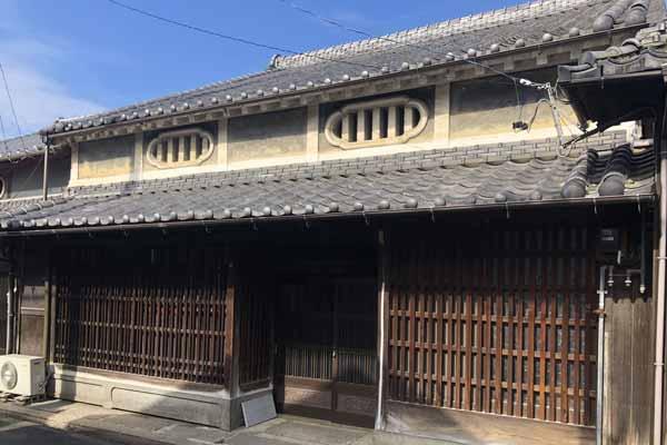 ニッポニア伊賀上野幸坂町