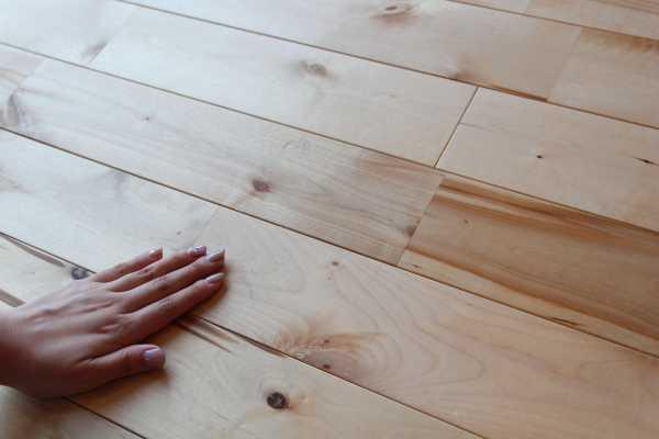 サイエンスホームの床