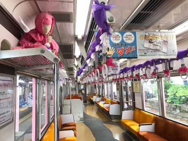 伊賀鉄道の車内