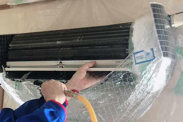 エアコンクリーニング使用歴10年以上のエアコン